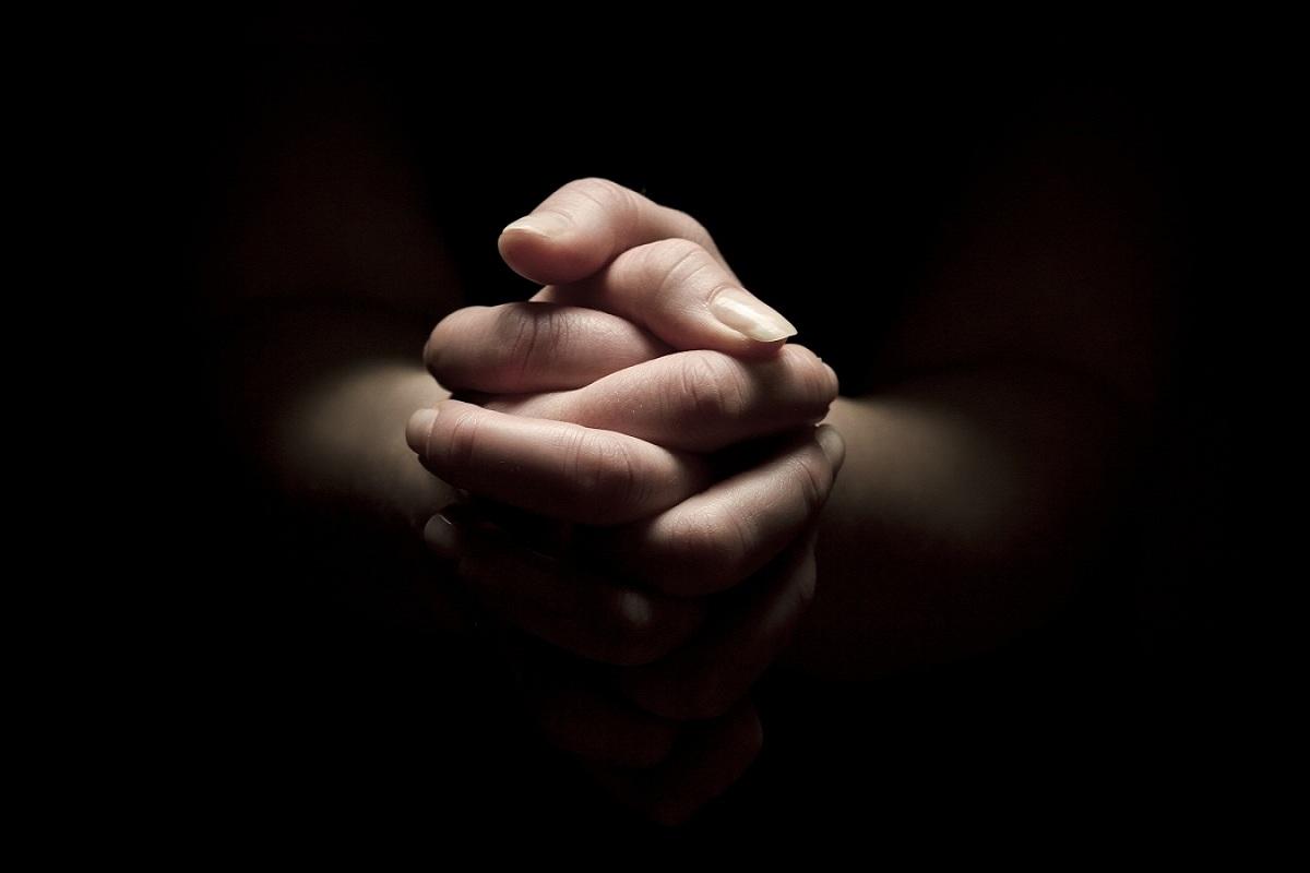 Oración para que venga desesperado a mí