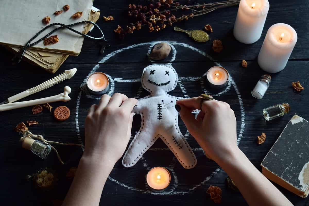 Cómo hacer un muñeco vudú para que regrese mi ex